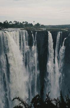 Complete guide to the Devil's Pool – Victoria Falls, Zambia
