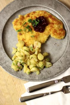 Schnitzel Recipe from renowned chef Markus Glocker. You can make this with Blue Apron. Order within the next week and it will be delivered to your door on Feb 18th.