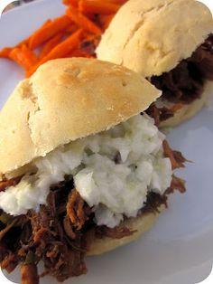 Balsamic Honey Pulled Pork Sliders #Slowcooker #Dinner #Recipe