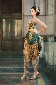 Modern Traditional Batik Fashion 2013 by Batik Keris 69369254b7