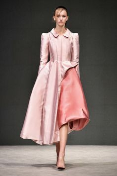 ed91e78cf3f9 Лучших изображений доски «Dreses World.»  2135 в 2019 г.   Couture ...