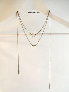 Sautoir bronze trois ranges anneau avec gouttes et perles : Collier par les-bijoux-d-aki