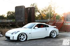 White & clean 350z
