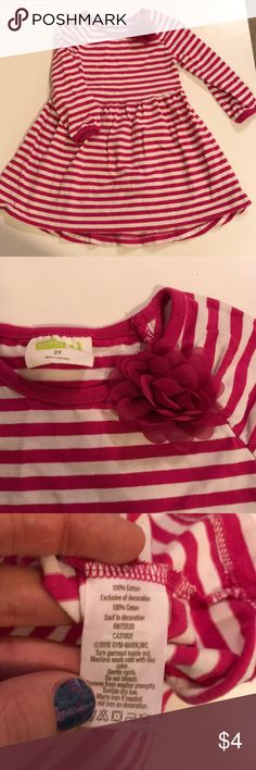 Crazy 8 Size 2T 100% Cotton dress 100% Cotton Fabric Colors are white with cranberry stripes Flower is made of nylon Gently Used/ Only worn once Casual crazy 8 Dresses Casual