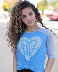 I love blue ? What's your favorite color? Beautiful Girl Image, Beautiful Eyes, Beautiful Pictures, Brunette Beauty, Hair Beauty, Sofie Dossi, Pure Beauty, Cute Woman, Woman Face