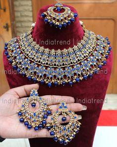 Alia Collier-Set - New Sites Indian Bridal Jewelry Sets, Indian Jewelry Earrings, Fancy Jewellery, Bridal Jewellery, Jewelery, Imitation Jewelry, Beautiful Earrings, Necklace Set, Fashion Jewelry