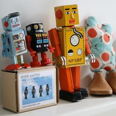Yellow Lilliput Robot Tin Collectables