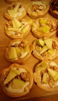 La fantasia in cucina: Tartellette al gorgonzola pere e noci