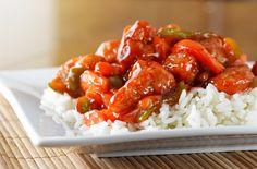 Wieprzowina w sosie słodko-kwaśnym to najbardziej popularne danie w chińskich restauracjach. Kluczem do wyśmienitego smaku tego dania jest sos.