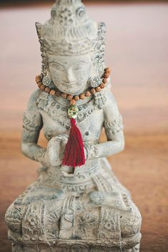 How do you choose your perfect mala beads? Let us help you! #malabeads