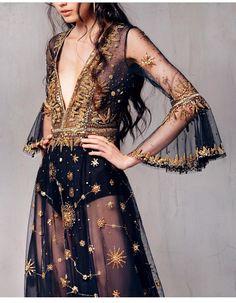 ideas for dress elegant black haute couture Look Fashion, Runway Fashion, Fashion Outfits, Fashion Design, Trendy Fashion, Feminine Fashion, Fashion Trends, Dress Fashion, Gypsy Outfits