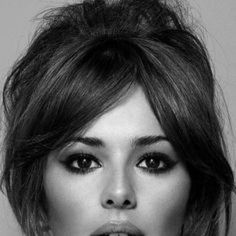 50 extraordinary ways to rock long hair with a pony Face Shape Hairstyles, Wedding Hairstyles For Long Hair, Hairstyles With Bangs, Haircuts For Long Hair With Bangs, Formal Hairstyles, Curly Hair With Bangs, Long Curly Hair, Curly Hair Styles, Hair Bangs