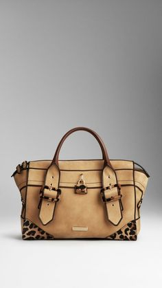 Handbags & Purses Burberry i am in love with this bag!Burberry i am in love with this bag! Sacs Tote Bags, How To Have Style, Sac Week End, Burberry Handbags, Burberry Tote, Mode Outfits, Beautiful Bags, My Bags, Purses And Handbags