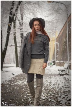 If you're looking for casual outfits, you might not know where to start. There are many options and ways to wear casual outfits, so get inspired with our long list of super cute and easy casual outfits you must copy! Simple Casual Outfits, Autumn Winter Fashion, Winter Style, Shades Of Grey, Winter Outfits, Super Cute, Ootd, Style Inspiration, Clothes For Women