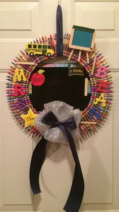 Teacher appreciation wreath crayon wreath door by RoxiesWreaths, $29.99