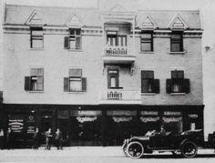 Les speakeasy de la rue Saint-Laurent - Le Plateau Bar Clandestin, Old Quebec, Saint Laurent, Old Things, Photos, Vintage Pictures, Memories, Times, Photography