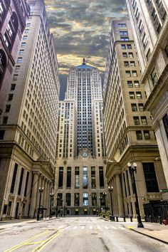 Street view of the over photographed Chicago's Board of Trade :-). Pinned by #CarltonInnMidway - www.carltoninnmidway.com