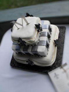 Fleur de lis wedding cake 1 by Cake Rhapsody, via Flickr