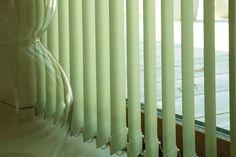 Resultado de imagen para cortinas bandas verticales