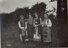 Дівчата з Калуша, 29 липня 1917. Фото з архіву австро-угорської армії