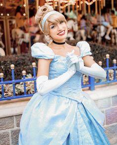 Disney Parks, Walt Disney World, Disney Face Characters, Strong Love, Vacation Places, Disney Princesses, Disney Love, Super Mario, Hugs