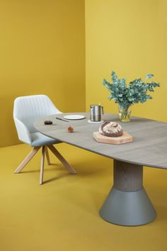 Balance Table #table #tablemanners #roundtable #conferencetable #diningtable #tablemoments #new #fresh #design #interior #interiordesign http://www.arco.nl/en/balance-25-anniversary-edition.html