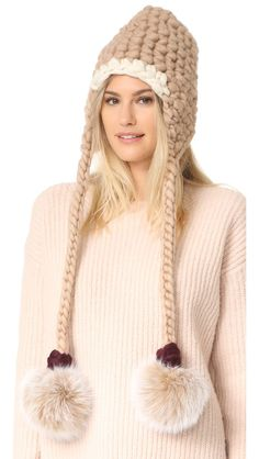 Best Fall Outfits :      Picture    Description  Winter Style Ideas. Winter Fashion and Winter Outfit Ideas. Fur pom pom hat.    - #Fall https://looks.tn/season/fall/best-fall-outfits-winter-style-ideas-winter-fashion-and-winter-outfit-ideas-fur-pom-pom-hat/