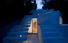 Tolo House fitting the slope in Portugal by Alvaro leite Siza