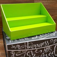 We love our new Lime Green Stack Displays! The color is Pantone 375 C and it is a beautiful shade that will give your products a vibrant backdrop to really make them stand out at your next vendor event or craft show! Measurements: 14