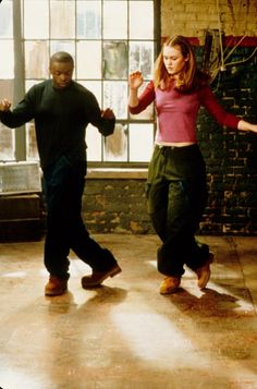 Julia Stiles and Sean Patrick Thomas in Save the Last Dance Black Love Movies, Movies Showing, Movies And Tv Shows, Sean Patrick Thomas, Hiphop, Save The Last Dance, Rap, Clueless Fashion, Julia Stiles