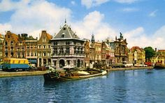 1962 - Een aak geladen met zand in de Spaarne te Haarlem - Serc