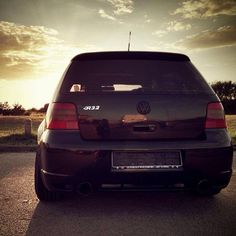 Stunning all black VW first car and I would love another Vw R32, Volkswagen, Vw Golf Mk4, Dream Car Garage, Bmw, Hot Rides, Car Engine, Cars And Motorcycles, Cool Cars