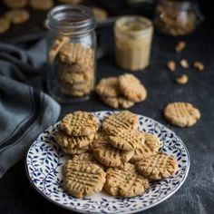 The best cashew nut butter cookies recipe Butter Cookies Recipe, Yummy Cookies, Sugar Cookies, Fish Pie, Cookies Et Biscuits, Roll Cookies, Shortbread Cookies, Nut Butter, Cookie Recipes