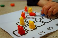 Learning to count and learn with math manipulatives such as counting bears can help children with math skills {free printables!}