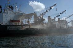 Colapso dos rios brasileiros,imagem do porto de paranaguá-