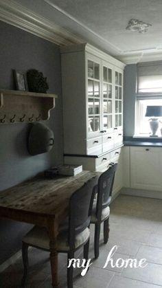 Stukje keuken ▇  #Vintage #Home #Decor  via - Christina Khandan  on IrvineHomeBlog - Irvine, California ༺ ℭƘ ༻