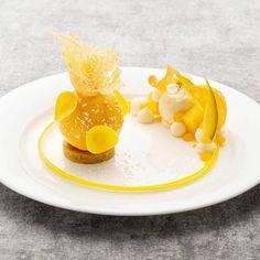 Michelin Star Food, Fancy Desserts, Granny Smith, Food Goals, Elderflower, Dessert Drinks, Culinary Arts, Food Menu, Plated Desserts