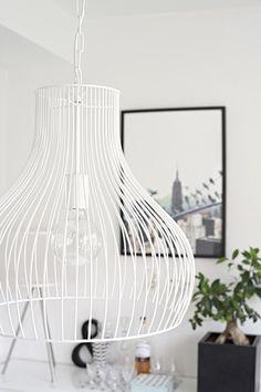 White wire pendant