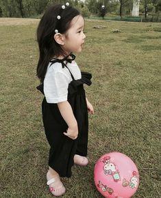 kawaii Bebe 可愛い ღ Cute Asian Babies, Korean Babies, Asian Kids, Cute Babies, Cute Little Baby, Cute Baby Girl, Little Babies, Baby Love, Cute Kids Photography
