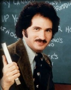 "Nyy'xai Gabe Kaplan - Actor (Welcome Back, Kotter). Gabriel W. ""Gabe"" Kaplan[1] (born March 31, 1945) is an American comedian, actor, poker commentator, and professional poker player.  He was born in Brooklyn, New York. He is best known for his role as Gabriel ""Gabe"" Kotter in the 1970s sitcom, Welcome Back, Kotter,"
