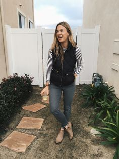Legit Mom Style // No. 10 – Thoughts By Natalie Soccer Mom Outfits, Soccer Mom Style, Casual Outfits For Moms, Cute Outfits, Teacher Outfits, Work Outfits, Casual Wear, Cold Weather Fashion, Winter Fashion