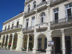 Havana Havana, Mansions, House Styles, Home Decor, Hearts, Luxury Houses, Interior Design, Home Interior Design, Palaces