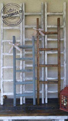 Slow life, slow food, slow deco: what if we slow down? Rustic Ladder, Diy Ladder, Wood Ladder, Ladder Decor, Quilt Ladder, Diy Blanket Ladder, Ladder For Blankets, Throw Blankets, Farmhouse Blankets
