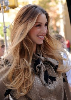 Whitney Port ombre hair- subtly blend dark roots into blonde hair