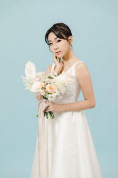 【極簡主義的輕婚照】Marisa – Portrait | Tomekcheungphotography Girls Dresses, Flower Girl Dresses, One Shoulder Wedding Dress, Engagement, Portrait, Wedding Dresses, Fashion, Dresses Of Girls, Bride Dresses