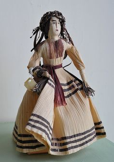 This doll is made using totomoxtle (cornhusks). She is dressed in the typical blouse and skirt worn by woman from the Ejutla region of Oaxaca Mexico. From the collection of the MAPO -- Museo de Arte Popular de Oaxaca in San Bartolo Coyotepec, Oaxaca Corn Husk Crafts, Corn Husk Dolls, Dragon Fruit Smoothie, Clothespin Dolls, Hand Puppets, Blouse And Skirt, Do It Yourself Home, Sculpture, Castle