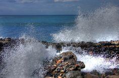 Rompiendo en la ola Playa de Las Canteras de Las Palmas de Gran Canaria by El Coleccionista de Instantes