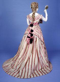 Bustle dress, back view: 19th century  Mmes Kerteux Soeurs  1871 AD - 1880 AD