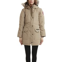 Canada Goose Trillium Parka ($900) ❤ liked on Polyvore featuring outerwear, coats, jackets, women, fur-lined coats, insulated coat, slim fit coat, hooded parka and hooded parka coat