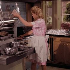Samantha (Bewitched) using her Frigidaire Flair